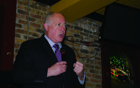 Gov. Pat Quinn rallies Evanston Democrats at endorsement event