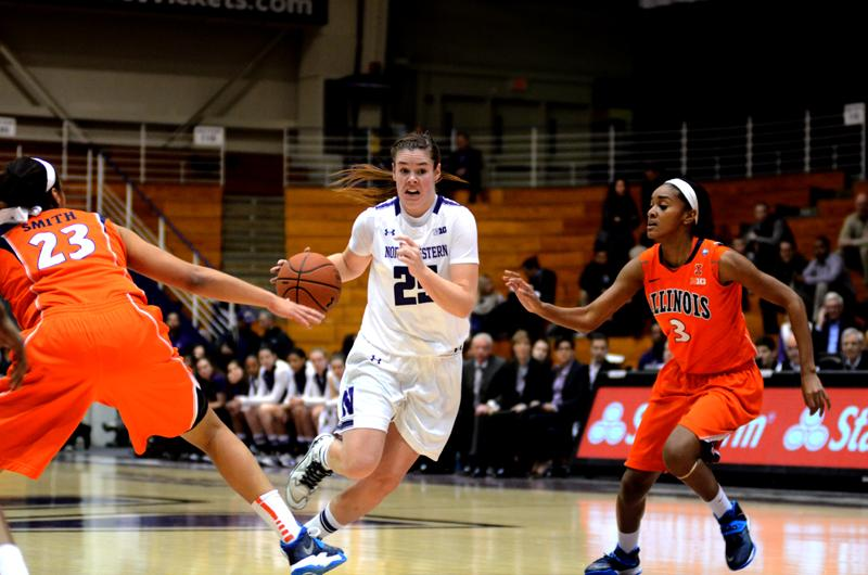 Sophomore+guard+Maggie+Lyon+drives+a+play+against+Illinois.+Though+she+was+called+for+four+fouls+at+Purdue+on+Thursday%2C+Lyon+was+not+benched+and+played+almost+a+full+game+to+tally+10+points+for+NU.
