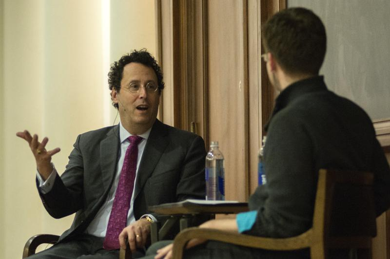 Award-winning+writer+Tony+Kushner+discusses+his+college+education+in+Medieval+studies+in+front+of+a+packed+Harris+Hall+Tuesday+evening.+The+event+was+part+of+the+Northwestern+University+Contemporary+Thought+Speakers+Series.%0D%0A