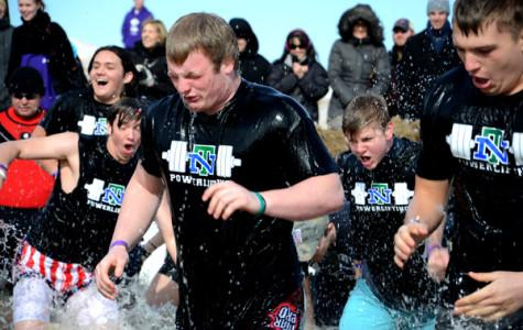 Hundreds plunge into Lake Michigan to benefit Special Olympics