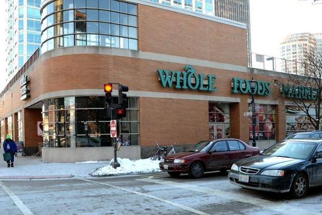 Whole+Foods+Market+will+move+into+the+property+on+Green+Bay+Road+previously+occupied+by+a+Dominick%E2%80%99s+grocery+store.+The+company+has+confirmed+plans+to+buy+a+total+of+seven+former+Dominick%E2%80%99s+locations+in+the+Chicago+area.