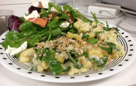 Cooking and Recipes: Smoked Gouda mac 'n cheese with walnut, apple and endive side salad