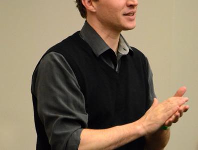 Northwestern alumnus talks intersection of technology and politics