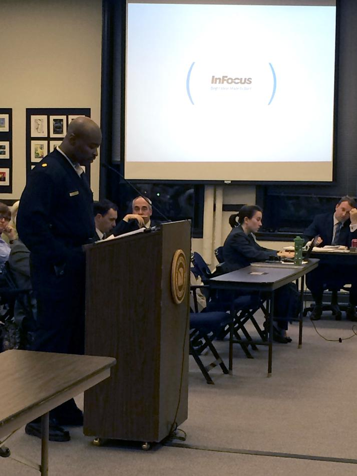 Evanston+Police+Cmdr.+James+Pickett+updates+aldermen+on+the+city%E2%80%99s+efforts+to+take+over+operations+at+the+Evanston+Animal+Shelter.+Pickett+is+one+of+several+city+officials+overseeing+the+shelter%E2%80%99s+transition+to+city+control.%0A
