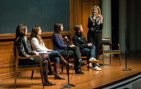 Arianna Huffington addresses students in Harris Hall on Sunday night. Huffington's talk, presented by A&O, touched on topics including the role of stress and burnout in today's society.