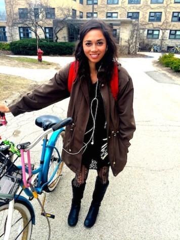 Street Style Inspiration: Daytime little black dress