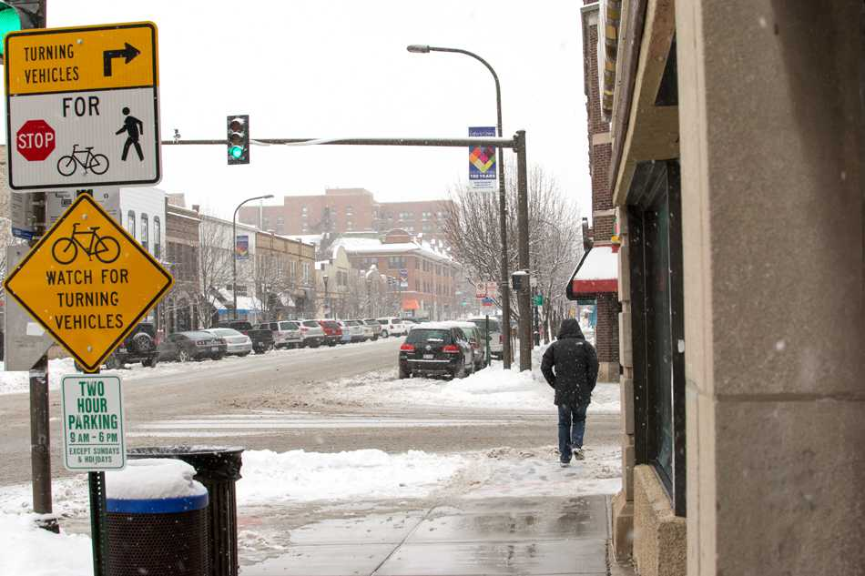 In+the+wake+of+the+snowiest+winter+in+Evanston%E2%80%99s+history%2C+city+officials+are+asking+residents+to+evaluate+snow+removal+and+snow+parking+services.+The+Public+Works+Department+announced+that+90.9+inches+of+snow+had+fallen+in+the+winter.