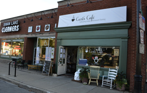 Two Evanston residents seek funds to open new Curt's Cafe