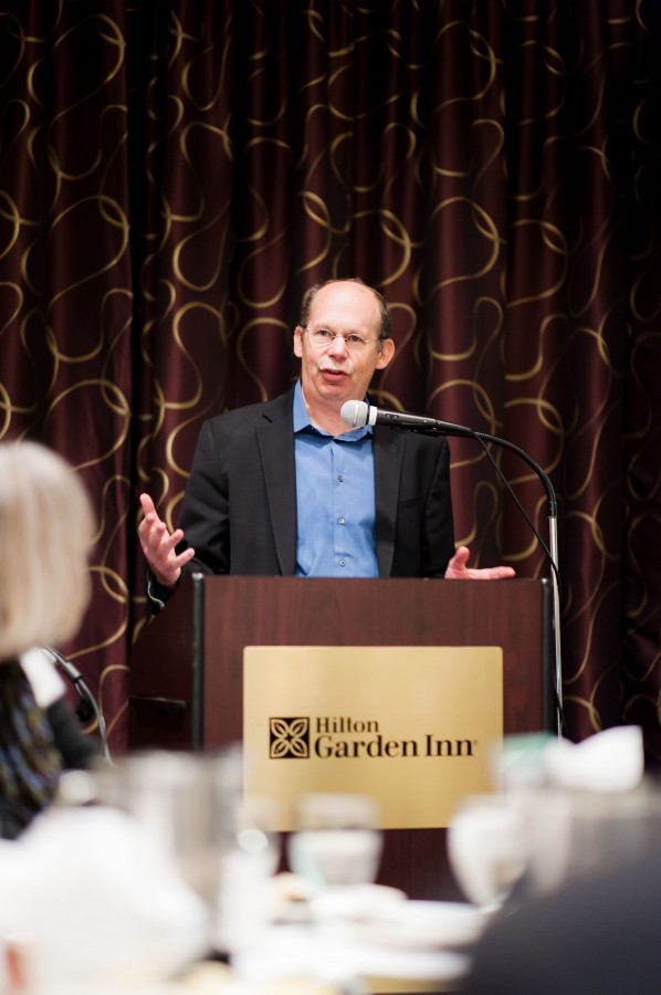 Kotlowitz+spoke+at+the+Hilton+Garden+Inn+on+Wednesday+about+youth+homelessness.+An+award-winning+journalist%2C+Kotlowitz+is+also+a+writer-in-residence+at+Northwestern.