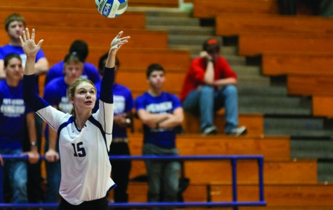 Volleyball: Wildcats fall to Cornhuskers as losing streak grows