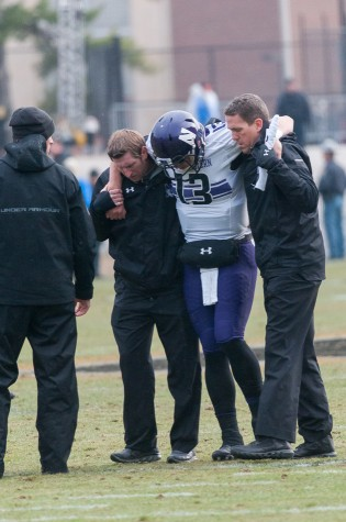 Football: Trevor Siemian leaves Purdue game with injury