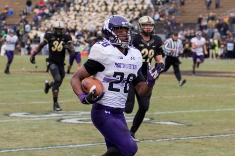 Football: Justin Jackson surpasses 1,000 yards rushing