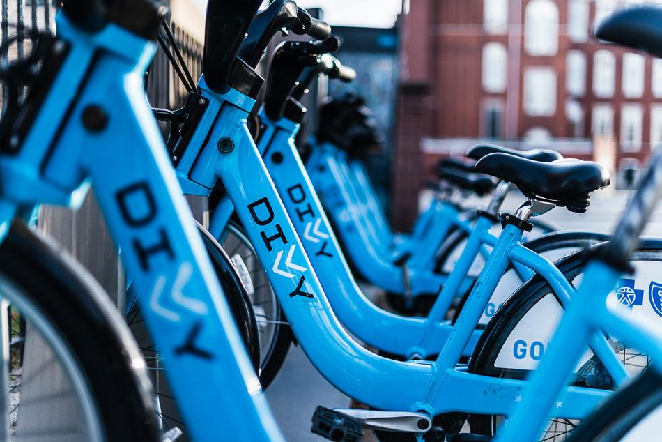 Divvy, a bike-sharing service, has many locations in Chicago. ASG and the University discussed bringing the bike stations to campus last week.