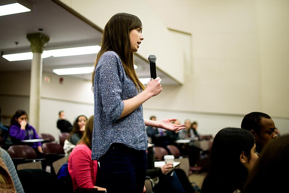 Medill junior Mallory Busch, a former Daily staffer, argues in favor of a U.S.-based Social Inequalities and Diversities requirement. A forum was held Monday for students to provide input on the proposed academic requirement.