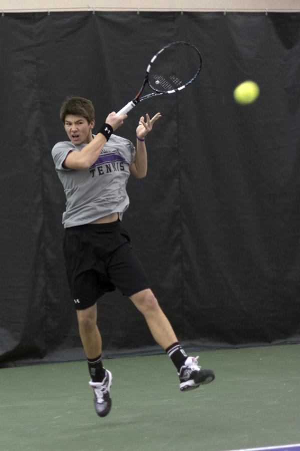Strong+Kirchheimer+shows+his+game+face+in+the+heat+of+battle.+The+sophomore+is+Northwestern%E2%80%99s+highest+ranking+singles+player+at+No.+64+in+the+country.