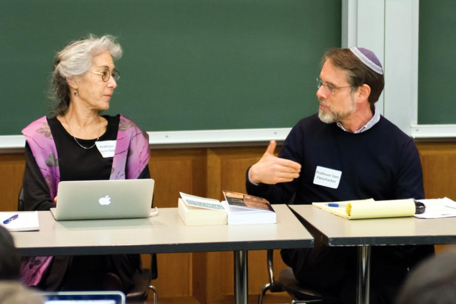 Prof.+Laurie+Zoloth+and+Samuel+Fleischacker%2C+a+professor+at+the+University+of+Illinois+at+Chicago%2C+discuss+peace+in+the+Israeli-Palestinian+conflict+and+student+divestment+movements+during+a+panel+hosted+Tuesday+by+Northwestern+Coalition+for+Peace.+The+event+promoted+conversation+and+dialogue+about+the+current+situation+both+in+and+out+of+Northwestern.+