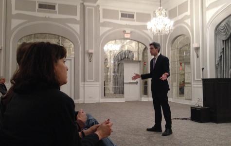 Daniel Biss discusses Illinois retirement policy in Evanston