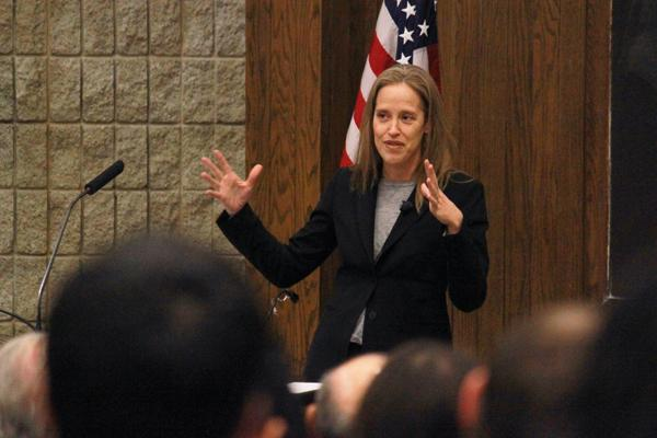 Wendy Kopp, founder of Teach for America, speaks at a Northwestern event in 2013. TFA has received slightly fewer applications from NU students this year, a spokeswoman for the organization told The Daily.