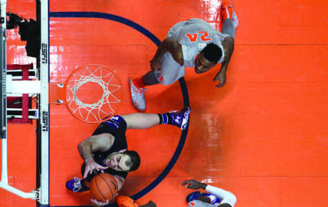 Men's Basketball: Illinois blows out Northwestern to end Wildcats' winning streak