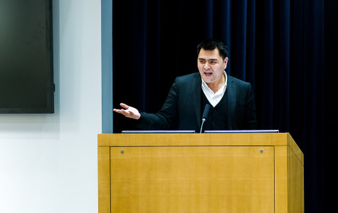 "Jose Antonio Vargas, activist and Pulitzer-prize winning journalist, discusses ""Define America,"" his non-profit organization that aims to open a discussion about the state of undocumented people in the United States. Vargas came to Northwestern as this year's College Democrats' winter speaker."