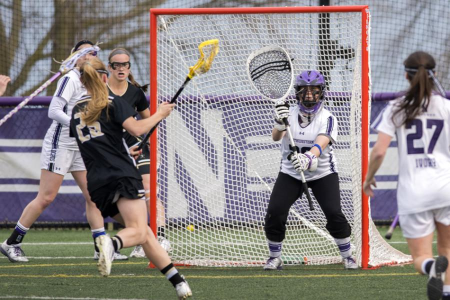 Bridget+Bianco+prepares+for+an+incoming+ball.+The+senior+goalkeeper+recorded+a+season-high+13+saves+in+a+12-11+loss+to+North+Carolina.