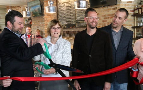 New bar, restaurant celebrates grand opening in Evanston