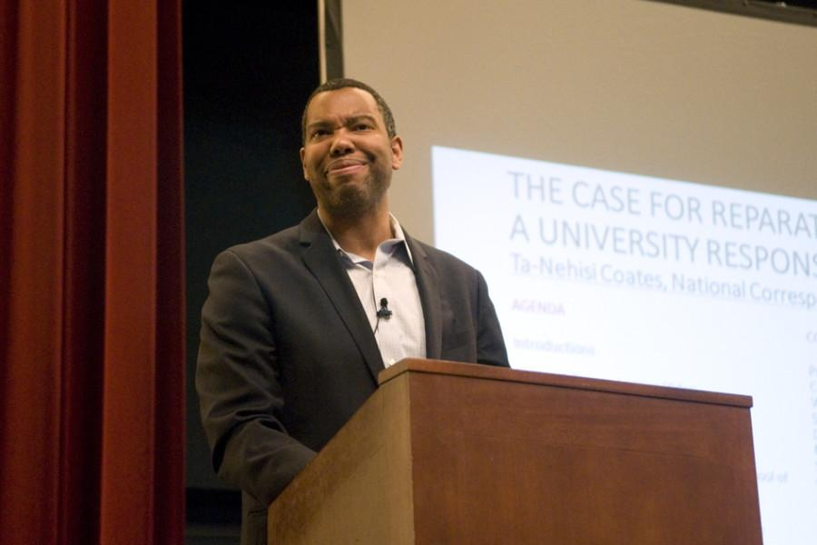 Ta-Nehisi+Coates+discusses+segregational+housing+practices+in+the+U.S.+at+Loyola+University+Chicago.+The+Atlantic+writer+visited+the+campus+Tuesday%2C+where+he+was+the+keynote+speaker+on+%E2%80%9CThe+Case+for+Reparations%3A+A+University+Response.%E2%80%9D