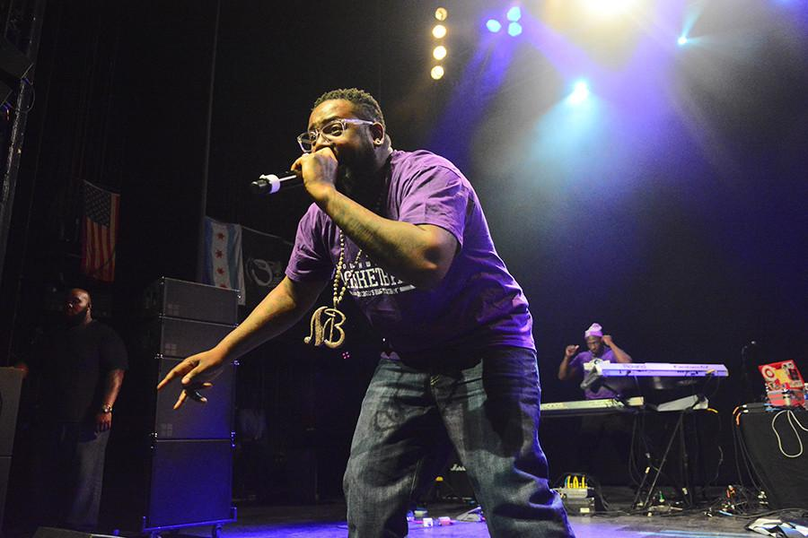 Wearing+Northwestern+apparel%2C+T-Pain+performs+at+A%26O+Ball+on+Friday+in+front+of+a+full+crowd.+T-Pain+headlined+the+concert+with+British+electronic+group+AlunaGeorge+opening+the+event+at+the+Riviera+Theatre.