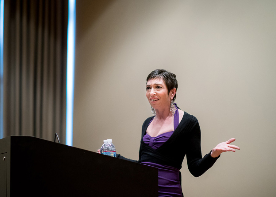 "Naomi Grossman, an actress on ""American Horror Story,"" discussed her experiences in Hollywood on Wednesday night. Grossman graduated from Northwestern in 1997."