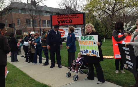 People line the sidewalks in front of the YWCA Evanston/North Shore for the annual Stand Against Racism. Around 3,000 people participated in the Evanston event this year, the largest number of participants the city has seen.