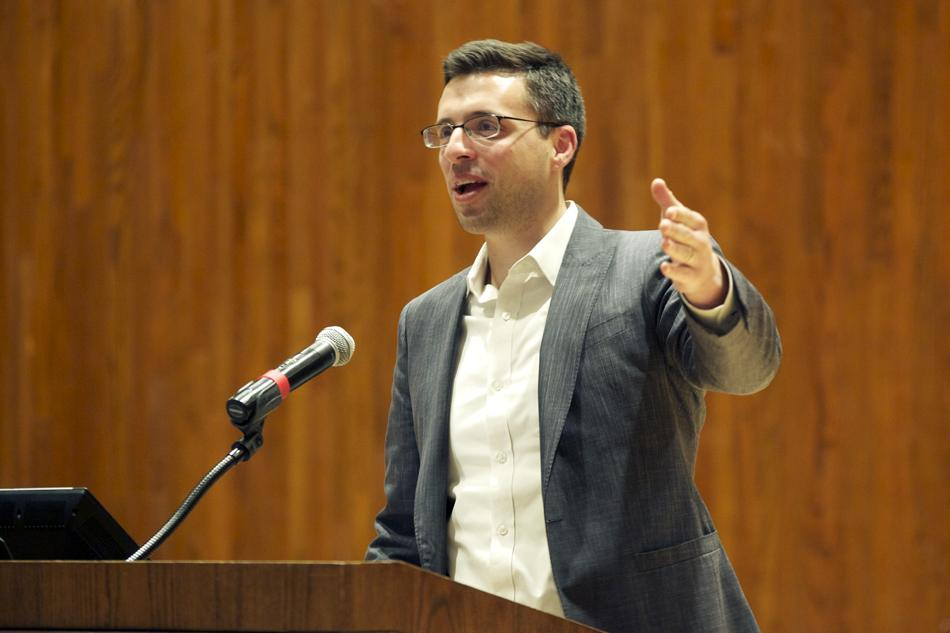 Ezra Klein, editor in chief of Vox.com, discusses politics Thursday in front of about 100 people at Norris University Center. The talk was presented by the Contemporary Thought Speaker Series.