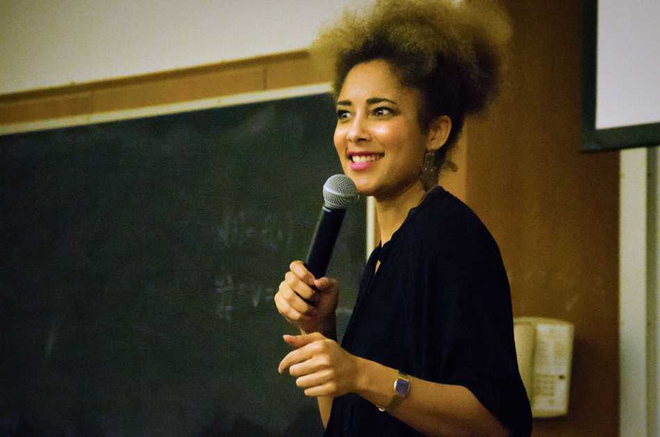 Comedian Amanda Seales discusses catcalling and everyday sexism at College Feminists' Sex Week headliner event Tuesday. Seales, whose CNN appearance went viral after she challenged the notion that women should accept catcalling, approached the subject with humor.