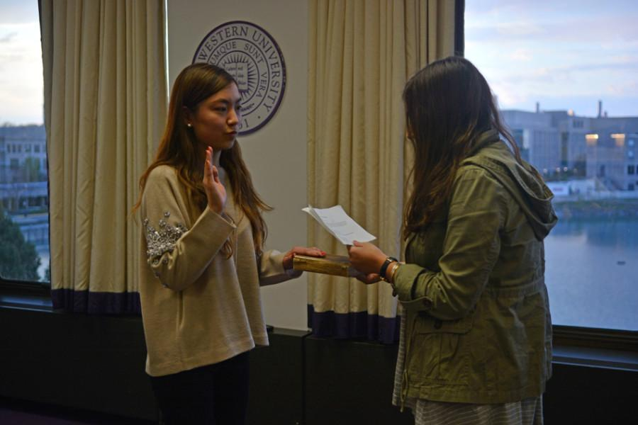 Weinberg+freshman+Florence+Fu+is+sworn+in+as+vice+president+for+public+relations.+Fu+will+succeed+Medill+senior+Jaime+Toplin.