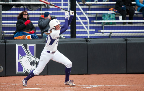 Softball: Wildcats see mixed results against Fighting Illini