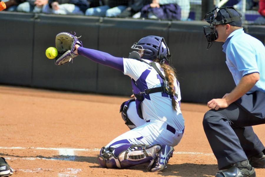 Sammy+Nettling+frames+a+pitch.+The+freshman+catcher+said+she+believes+consistent+pitching+is+the+key+for+Northwestern+in+climbing+the+Big+Ten+standings.+