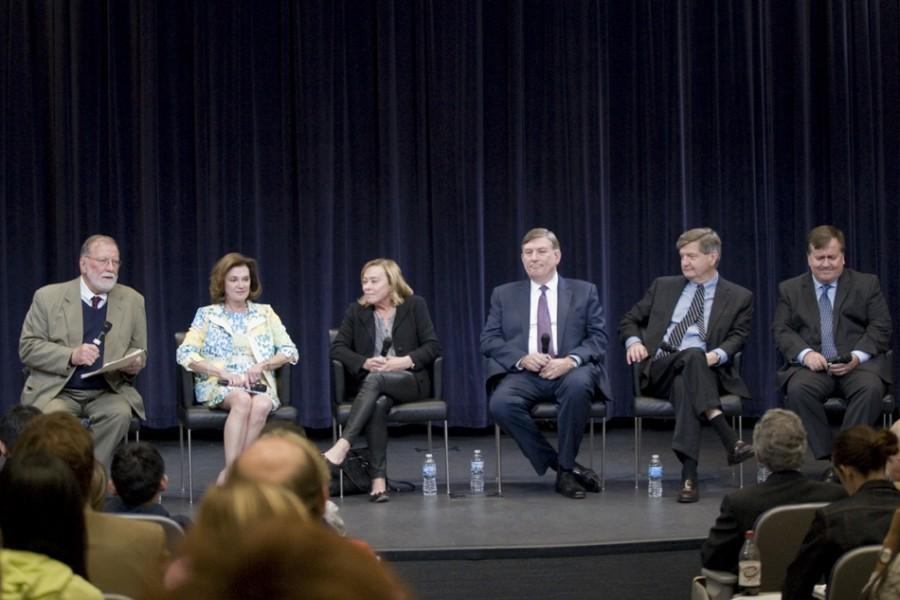Medill+Prof.+Timothy+McNulty+%28left%29+moderates+a+panel+of+inductees+into+the+Medill+Hall+of+Achievement.+The+alums+discussed+their+experience+at+Northwestern+and+in+their+respective+fields+and+how+they+see+those+fields+changing.