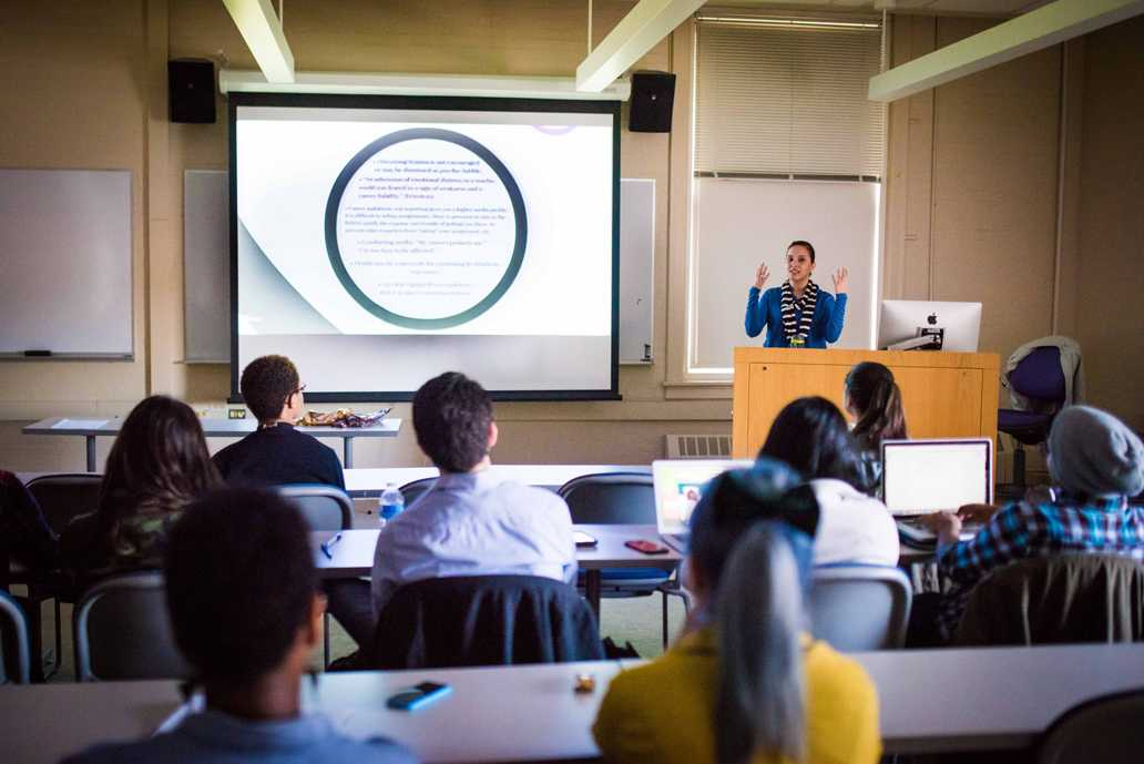 Rosemary Magaña, a licensed clinical professional counselor and staff therapist at Counseling and Psychological Services, leads a discussion with Northwestern's minority journalism groups about mental health in journalism. Magaña spoke about different types of illnesses caused by covering stressful or traumatic stories and healthy ways to cope.