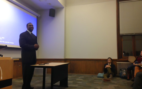 State senator makes surprise appearance at NU College Democrats' meeting
