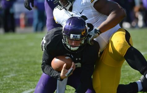 Rapid Reaction: Wildcats fall apart during 40-10 homecoming loss against Hawkeyes