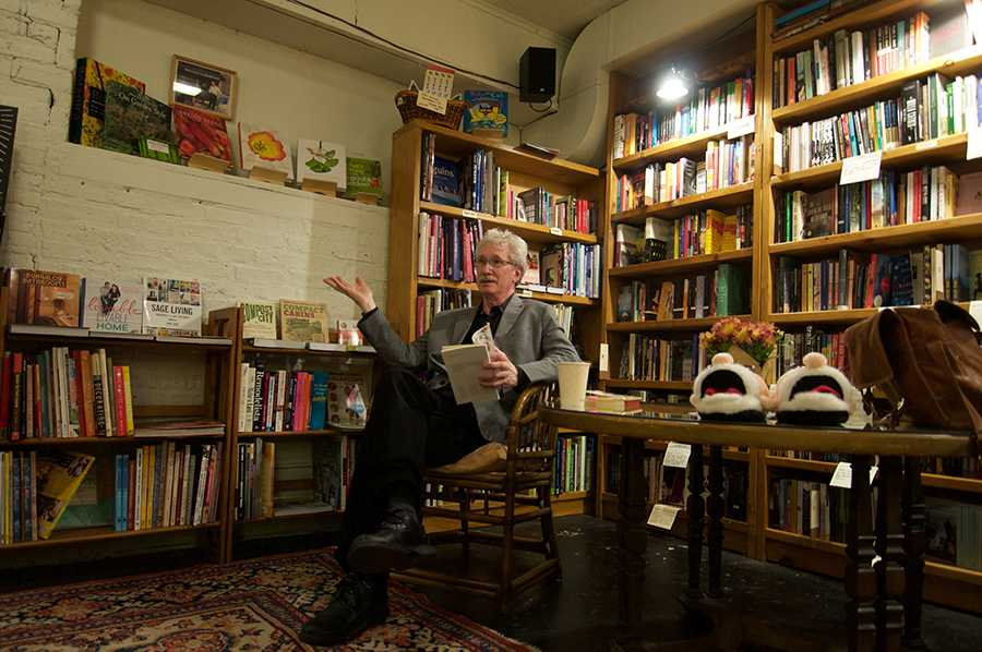 During a discussion of his newest book, Northwestern professor and poet Reginald Gibbons focused on the nuances of poetic language. Gibbons, a National Book Award finalist, spoke Thursday at Bookends and Beginnings.