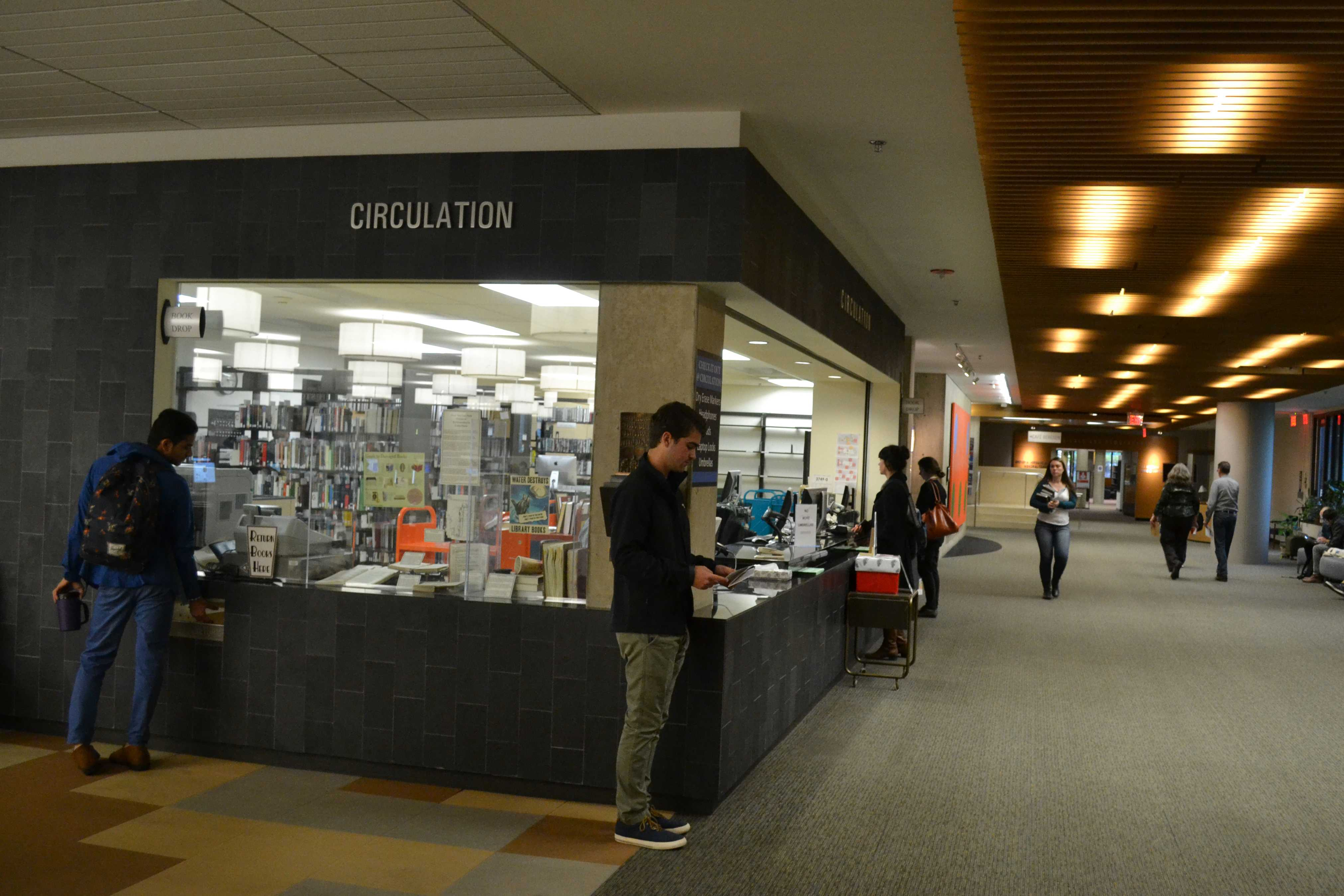 Video production equipment can now be borrowed by undergraduate students from the circulation desk in University Library. Library administrators decided to expand their borrowing services after the service desk in Digital Collections was closed.