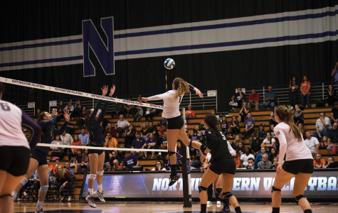 Volleyball: Northwestern loses against Fighting Illini in four sets