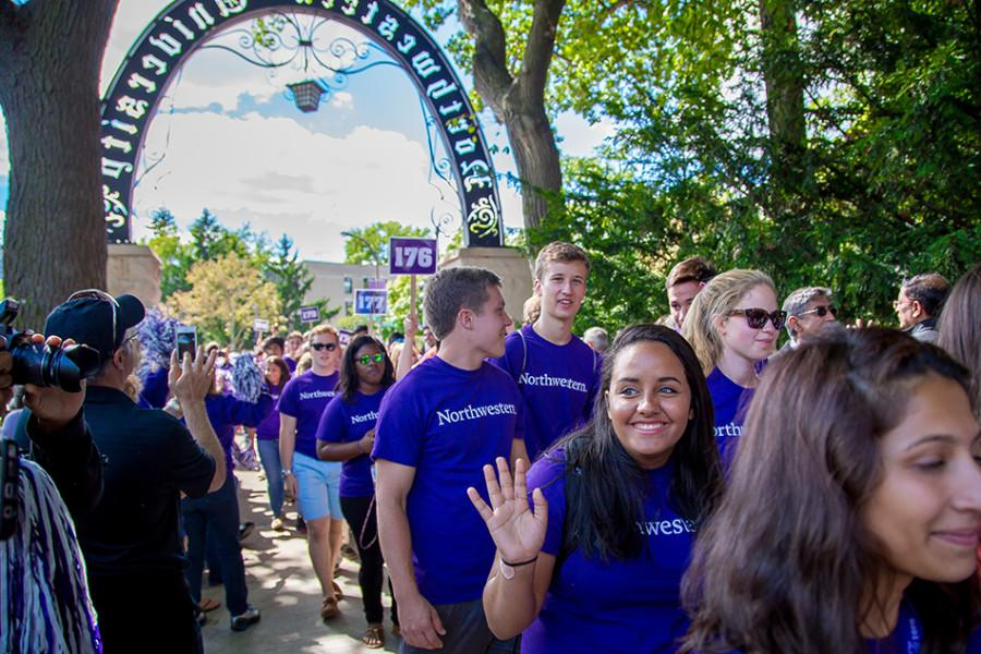 New+students+participate+in+the+March+Through+the+Arch+tradition+during+Wildcat+Welcome.+Northwestern+accepted+1%2C061+students+to+the+class+of+2020+through+Early+Decision+on+Monday+night.