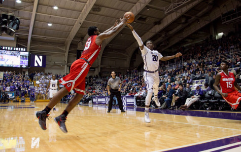 Men's Basketball: Northwestern crumbles in final minutes in loss to Ohio State