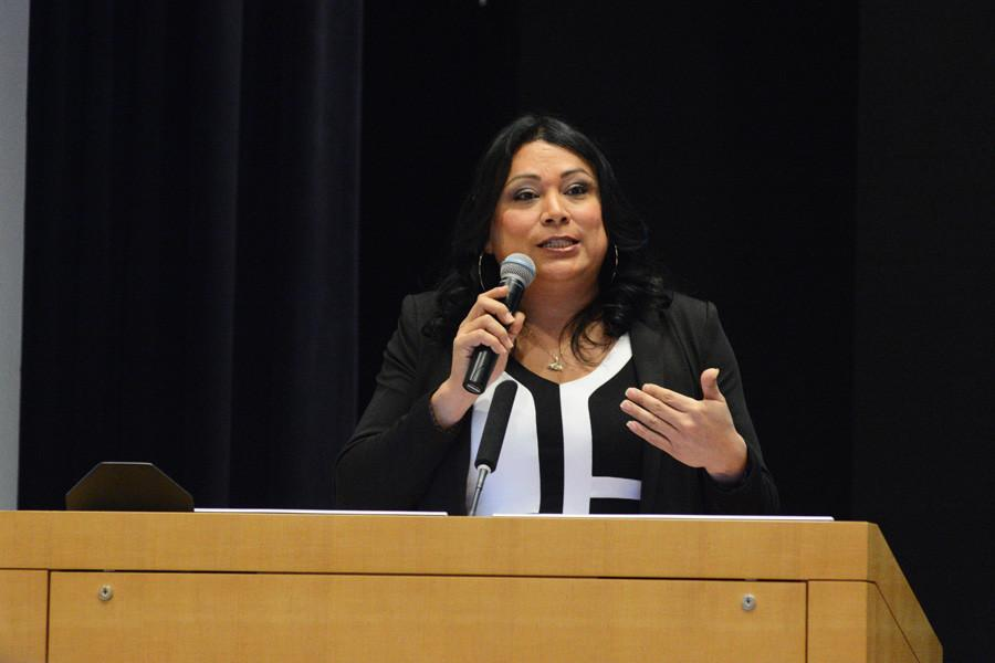 Transgender activist Jennicet Gutiérrez discusses her experience as an undocumented trans woman of color. Gutierrez's talk was the the fifth in a weekly series of educational events hosted by prison divestment advocacy movement Unshackle NU.