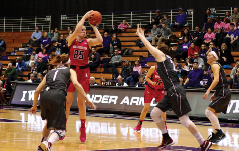 Women's Basketball: Minnesota outlasts Northwestern in double overtime 112-106