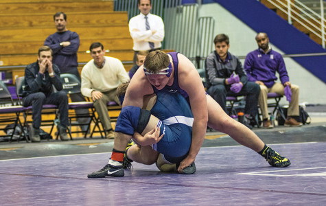 Wrestling: Northwestern looking to snap eight-game losing streak