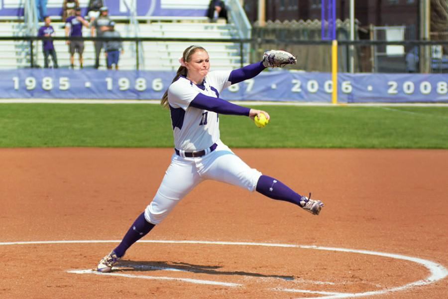 Kristen+Wood+winds+up+and+delivers.+The+senior+pitcher+struck+out+six+batters+in+her+last+start+against+Georgia+Tech.+