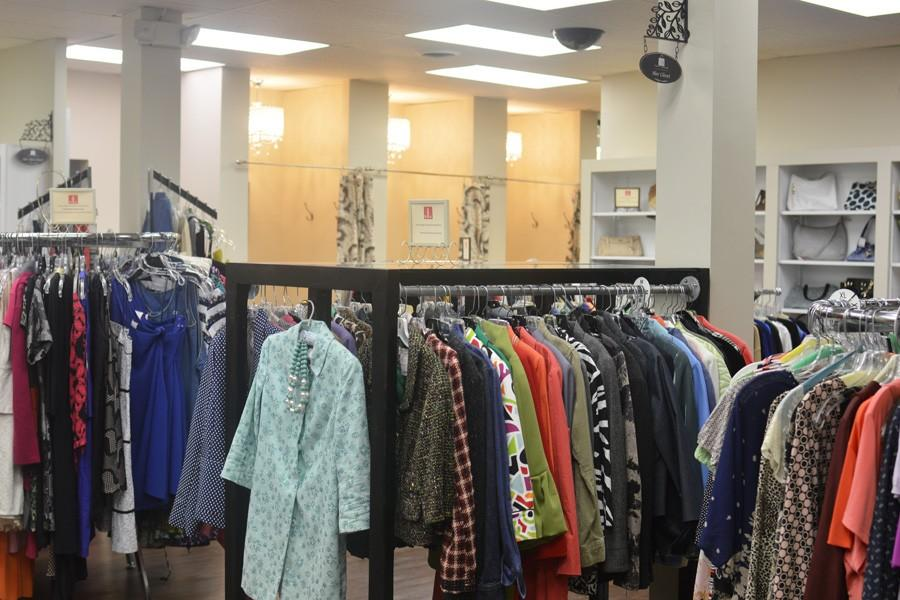 Thrift+House%2C+a+Junior+League+of+Evanston-North+Shore+program%2C+recently+reopened+after+undergoing+renovations.+The+thrift+store+has+been+around+Evanston+for+more+than+75+years+and+offers+low-cost+clothing%2C+books+and+houseware.+%0A