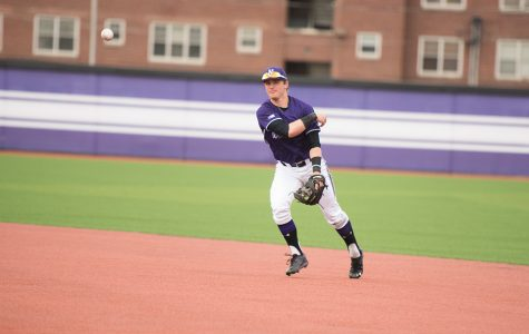 Baseball: Relationship between freshmen middle infielders has Wildcats excited for future